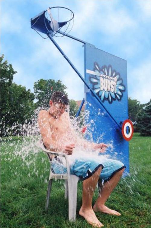 Pitch Burst Water Splash Game